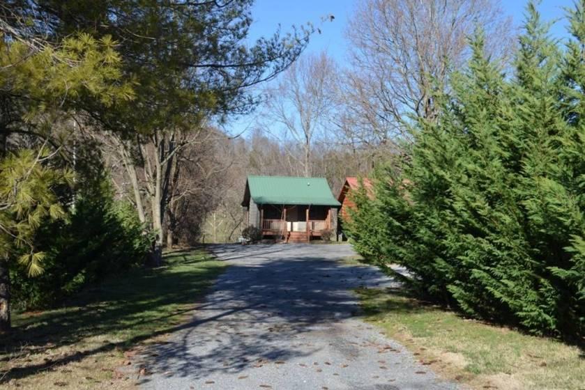 river trail cabin driveway
